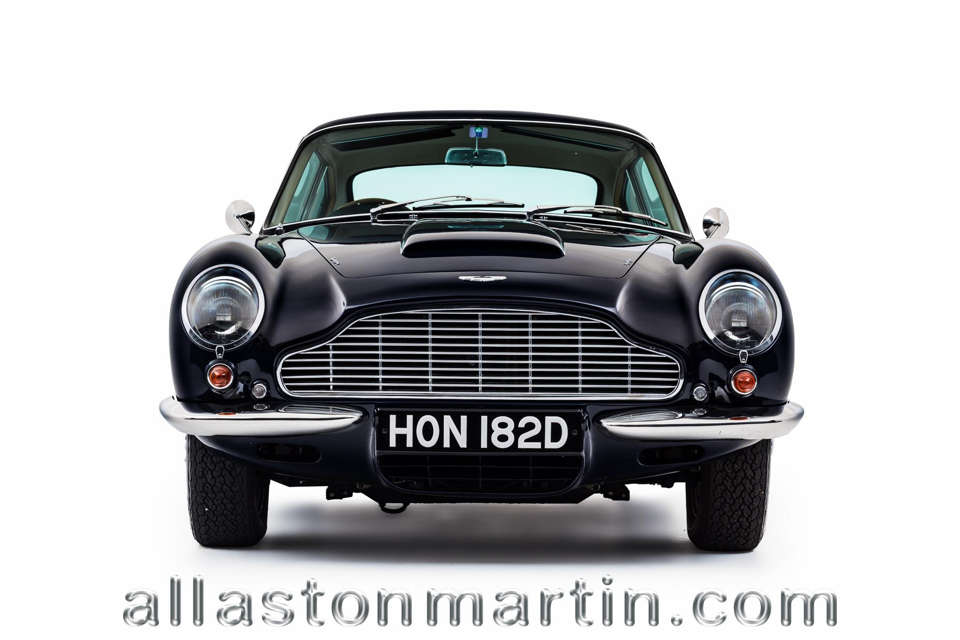 Driving Aston Martin DB5 Drive